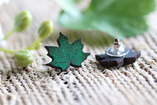 Green Maple Leaf 1-1